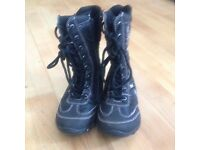Girls snow boots, size 11 (29)