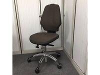 RH Extend 100 Operators Chair