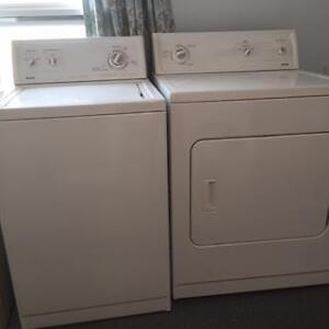KENMORE WASHER AND DRYER PAIR (WHITE)