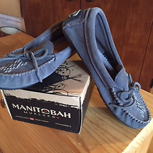 Mukluks Moccasins Buy Or Sell Womens Shoes In Ontario Kijiji