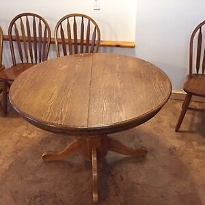 Oak Pedestal Table and 6 Chairs
