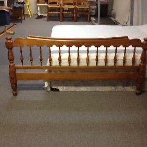 Quality Queen-size Bed Frame Peterborough Peterborough Area image 3