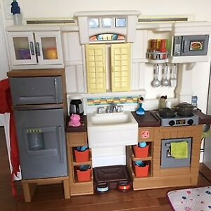 Toddler toy kitchen