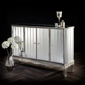Stunning New Venetian 4 Dawer Mirrored Chest of Drawers RRP £799 on Special Offer Price