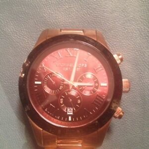 MICHAEL KORS ROSE GOLD WATCH 8247