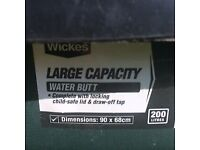 Large 200ltr Wickes Water Butt and stand