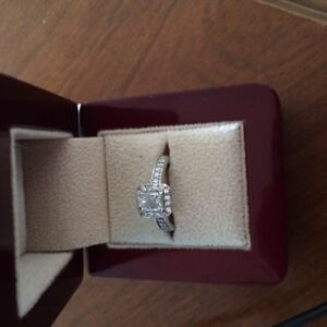 Ladies White Gold Engagement Ring