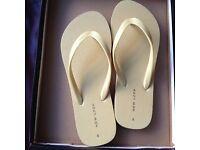 Women's yellow New Look flip flops - Size S (UK 4 / EU 37)