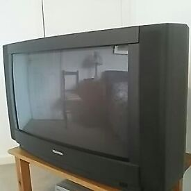 Old style 27 inch Toshiba Nicon digital sterioTV with remote control