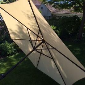 Large umbrella sun shade