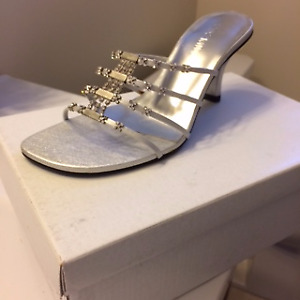 Beautiful silver shoes from Starlet in Napanee