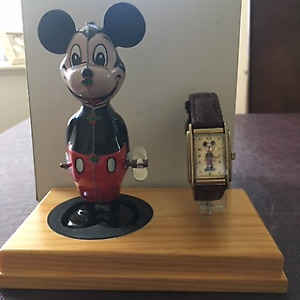 MIckey Mouse Watch and Tin Windup  1999  Mint In BOX