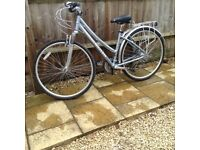 """Ladies Hybrid alloy bicycle, Excellent condition, 18"""" Frame Claude Butler Odyssey"""