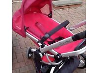 Baby pram/pushchair travel system