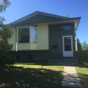2 Bed, 1.5 Bath, 76 Eastman Crescent - Main $1195 August 1st