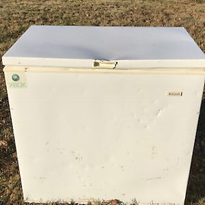 Deep Freeze 5 cubic feet