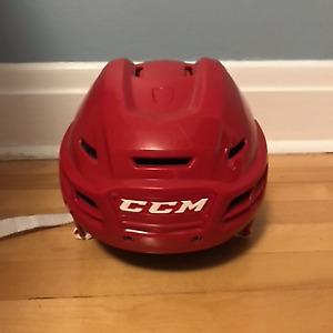 Casque d'hockey CCM RESISTANCE 300 Hockey Helmet
