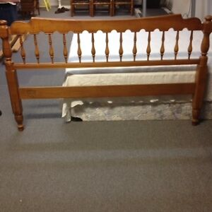 Quality Queen-size Bed Frame Peterborough Peterborough Area image 2