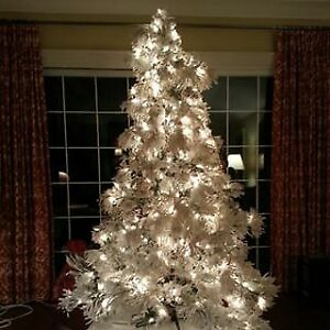 Beautiful faux Christmas tree 8 feet
