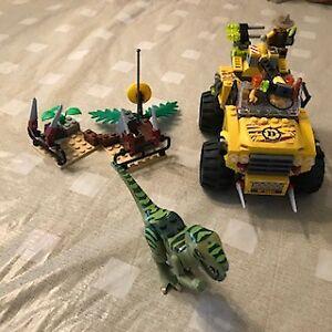 Lego 5884 Dinosaure Chasse aux Velociraptors