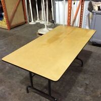 Lot de table neuve en bois patte pliante 5x30 70$