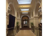 V22 Louise House Library: DESKSPACE
