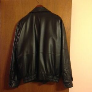MENS LEATHER JACKET London Ontario image 3