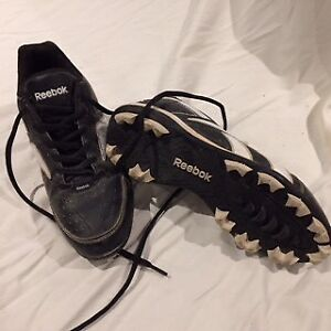 Women's baseball cleats(6.5) and pants (s)