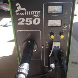 MAGMATE PRO 250 WELDER  NEAR NEW Morayfield Caboolture Area Preview