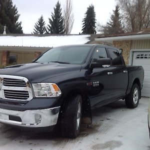 2014 RAM 1500 crew cab ECO DIESEL heated steering wheel