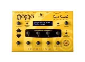 Dave Smith Mopho synth - mint