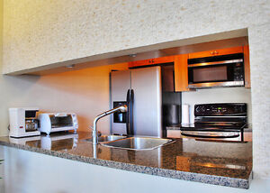 Downtown Waterfront View 2BR Condo, Gym, Pool Downtown-West End Greater Vancouver Area image 4