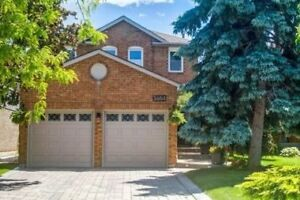 Erin Mills 4+1 Bdrm Det Home - Over $120K Spent On Upgrades!!