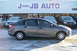 *** LIKE NEW  *** 2013 Ford Focus  *** LIKE NEW  **