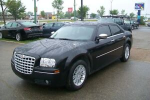 *TOURING PKG *** 2010 Chrysler 300  ** EveryOne Approved ***