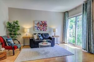 Georges townhome condo in the hearth of Thornhill