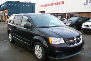 **Stow and Go**  2015 Grand Caravan **** ONLY 34,000 KM!!!!****