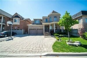 Immaculate Executive Home In 'Thornhill Woods'!