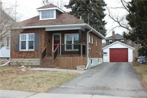 Amazing Brick Bungalow!! Perfect For Small Family!!