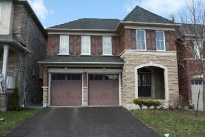 4 BEDROOM IN HOUSE IN AJAX FOR RENT $2350