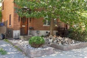 Large one bedroom with den and large patio, Byward Market adj.