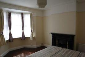 King size room, Copthorne (RH10 ) Nr Crawley