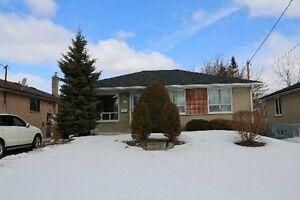 Bayview/Major Mackenzie 2 Br Bsmt Apartment For Rent