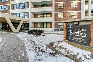 *Fabulous Location* 1 One Bedroom Condo for Lease in the heart o