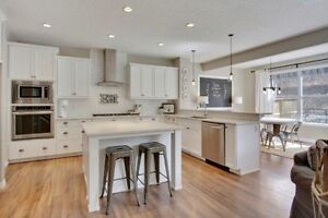 Large Family Home in Cochrane - Family Friendly Community