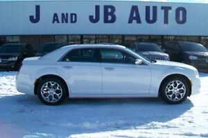 ** LIKE NEW !!! **** 2016 Chrysler 300C Platinum AWD  ***AWD!! *