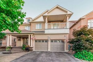 Detached House for sale in Brampton Fully Upgraded & Fin Basemnt