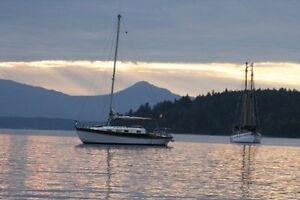 31.5-foot Golden Hind masthead sloop