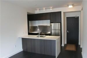 Stunning 2 Bed, 2 Bath + Parking in Mississauga Condo For Rent!!