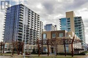 ** Luxurious 1 Bed + Den With 2 Baths. Bright, Very Spacious **